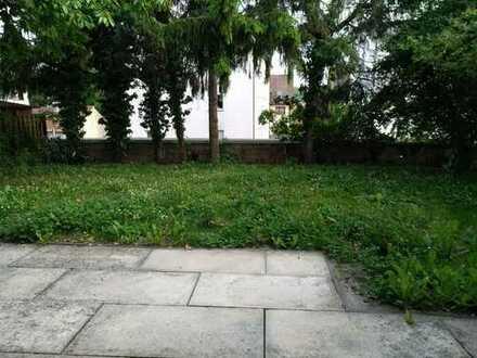 Möbliertes Zimmer in Haus-WG mit Garten und Balkon
