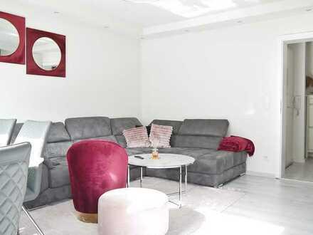 Renovierte 2-Zimmerwohnung mit Balkon in Wohlfühllage mit reizvollem Fernblick!