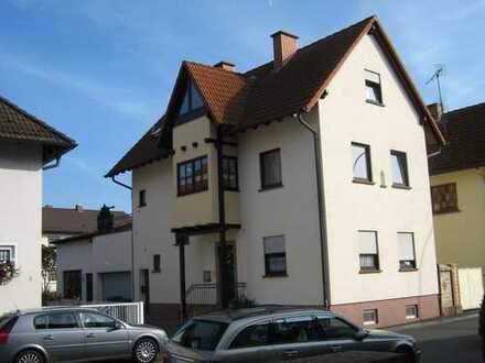 Haus mit 2 Wohnungen in Aschaffenburg / Leider