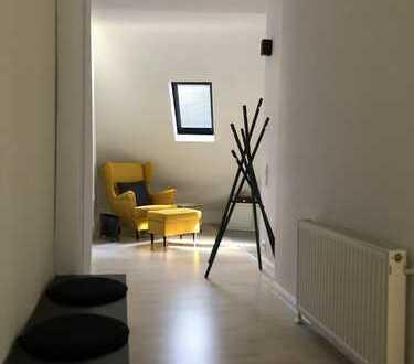 """""""Schlüsselfertig"""" möblierte 2 Zimmer Maisonette-Wohnung zentral und ruhig in Stuttgart-Ost"""