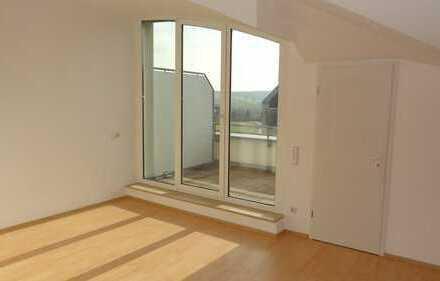 Zwei Zimmer Küche Bad und große Dachterrasse - seltene Gelegenheit!