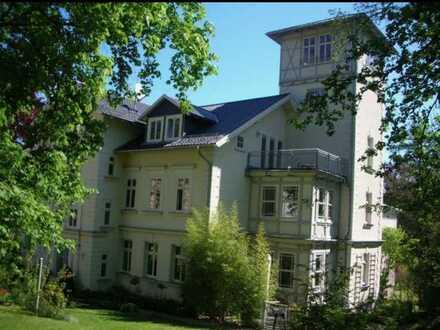Sanierte 4-Zimmer-DG-Wohnung mit Balkon und EBK in Arnstadt