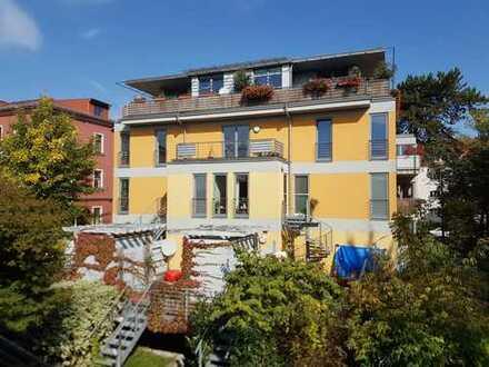 Schöne 3-Zimmer-Wohnung mit Balkon und neuem Bodenbelag wartet auf Sie.