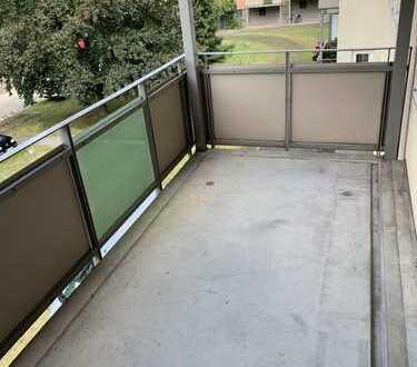 **KREUZVIERTEL-Große Heimstr-Renovierte Whg-mit Balkon, neuen Böden & neuem Duschbad**