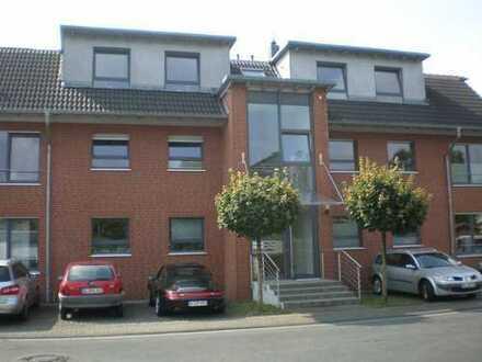 Hochwertige 3-Zimmer-DG-Wohnung mit großer Dachterrasse in Bestlage von Refrath
