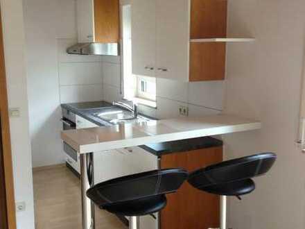 Erdgeschosswohnung, 2 Zimmer und Einbauküche in Zimmern-Horgen