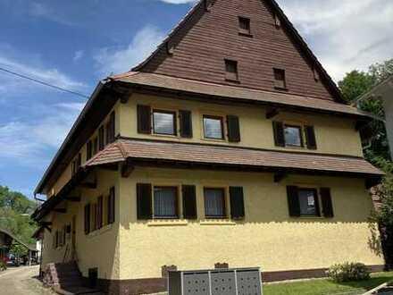 Familienfreundliches Haus mit viel Gestaltungspotenzial und großem Garten in Baden-Baden