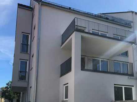 NEUBAU mit Balkon: schöne, zentral gelegene 2-Zimmer-Wohnung