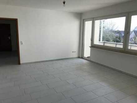 Vollständig renovierte 2,5-Zimmer-Wohnung mit Balkon in Bochum