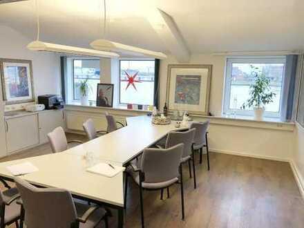 Traumhaft schöne und repräsentative 3-Zimmer-Büro/- und Praxisfläche in 1. Reihe am Kanal!!