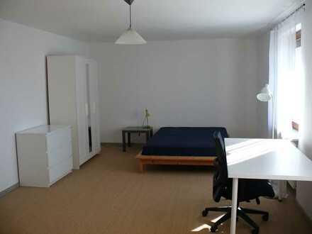 Helles Zimmer (32m2), befristet bis 7/2022