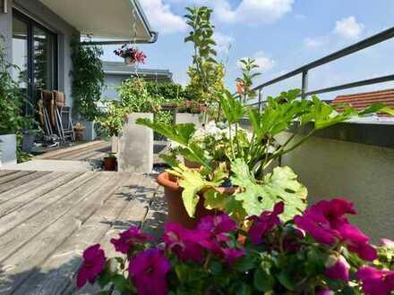 Exklusive, geräumige und neuwertige 4-Zimmer-Penthouse-Wohnung mit großer Dachterrasse in S-Bahn-Näh