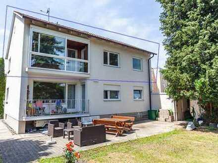 Exklusive, vollständig renovierte 4-Zimmer-Wohnung mit Balkon
