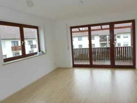 Sonnige 3 ZKB Wohnung mit Einbauküche