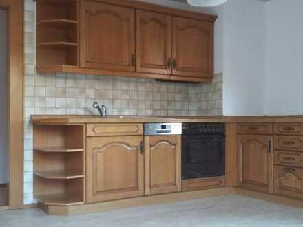 Günstige, modernisierte 5-Zimmer-Wohnung mit großem Balkon und Einbauküche in Sohland an der Spree