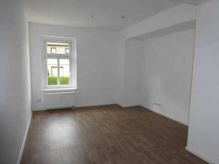 neusanierte 2-Raum Wohnung mit Riesendusche in Hohndorf