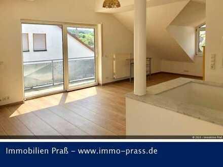 Wunderschöne neu renovierte Maisonettewohnung in zentraler Lage von Meisenheim zu vermieten.