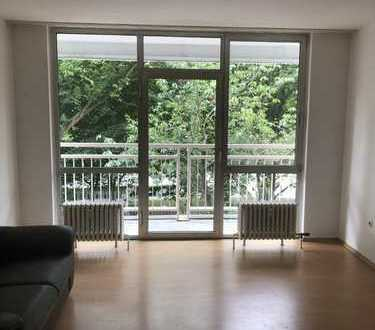 Gepflegte Kapitalanlage - Gemütliche 2-Zimmer-Wohnung mit Balkon und traumhaftem Weitblick!