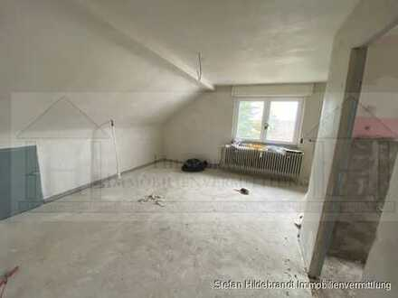 Kernsanierte 2-Zimmer-Dachgeschosswohnung