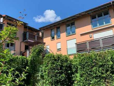 Schöne 3-Zimmer-DG-Wohnung mit Balkon und 2 TG-Stellplätzen in Grafing