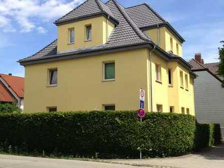 Ansprechende, neuwertige 4-Zimmer-Dachgeschosswohnung in Augsburg