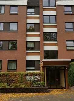 Hannover/Nähe Leineinsel: vollständig renovierte 4-Zimmer-Terrassenwohnung mit Einbauküche