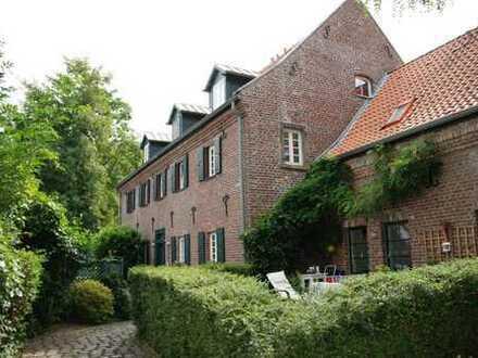 Einzigartige 3-Zimmer Maisonette Wohnung in Merkenich