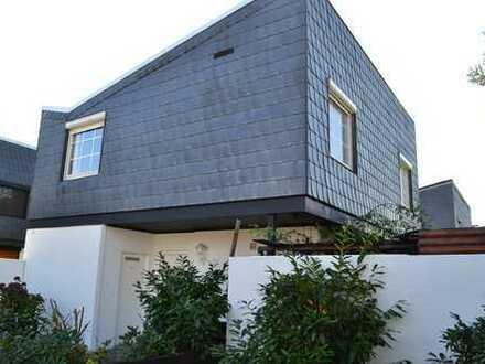 Schöne Doppelhaushälfte in Habenhausen mit Kamin, Garten und Garage - WG geeignet!