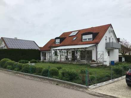 Schönes, geräumiges Haus mit fünf Zimmern im LKR Neuburg-Schrobenhausen (Kreis), Königsmoos