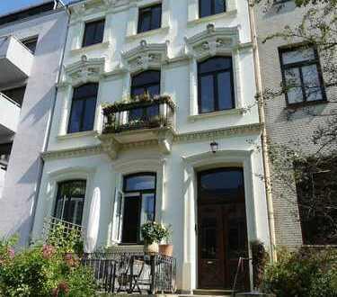Vier-Zimmer-Maisonette Wohnung mit zwei Loggien in Altbremer Haus im Ostertor
