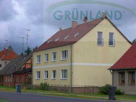 **Solides Mehrfamilienhaus mit 6 WE ca. 7,1 ha. Wald und weitere Flächen!**