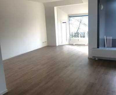 Helle 3-Raum Wohnung mit Loggia