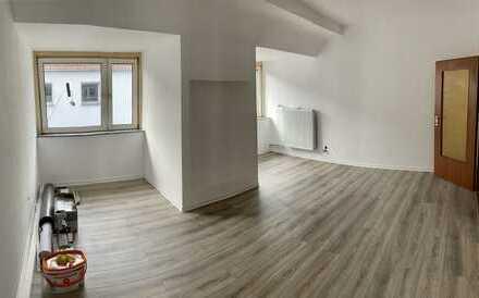 +++TOP+++ wunderschöne, komplett Sanierte 2 Zimmer Wohnung