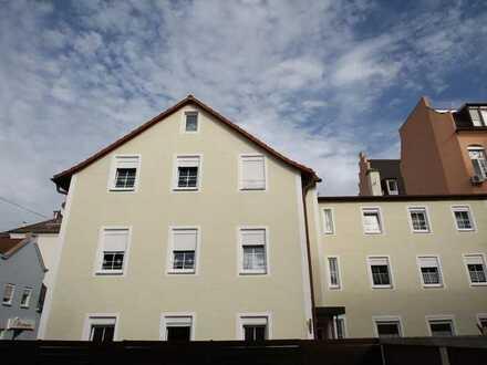 Gepflegtes Mehrfamilienhaus mit 10 Wohnungen**