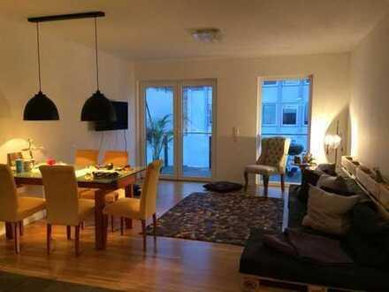 Stilvolle, neuwertige 4-Zimmer-Wohnung mit Balkon und Einbauküche in Hessen - Darmstadt