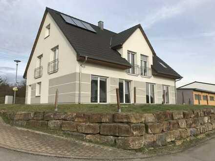 Neuwertige 3-Zimmer-Wohnung mit Balkon und EBK in Poltringen, Tübingen (Kreis)