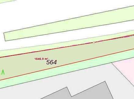 Grundstück mit über 1600 m2 im Mischgebiet • 32 Hallen geplant