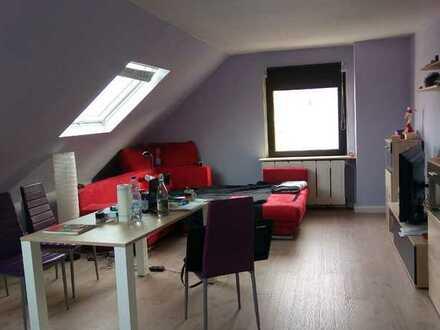 Schöne, helle Dachgeschosswohnung von Privat