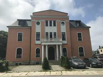 Jugendstilvilla in Bestlage von Eibenstock, 2,5 Zimmerwohnung 1.OG mit Balkon,