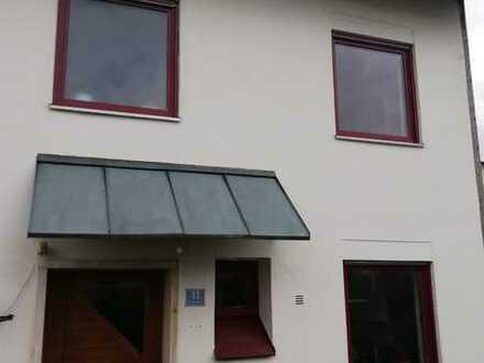 Gepflegte 6-Zimmer-Doppelhaushälfte mit EBK in Eichstätt, Eichstätt