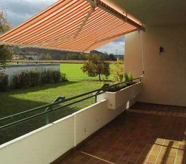 Attraktive 3,5-Zimmer-Hochparterre-Wohnung mit 2 Balkonen in Steinen