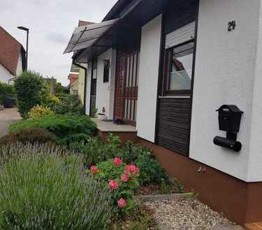 Schönes Haus mit sechs Zimmern in Germersheim (Kreis), Kuhardt