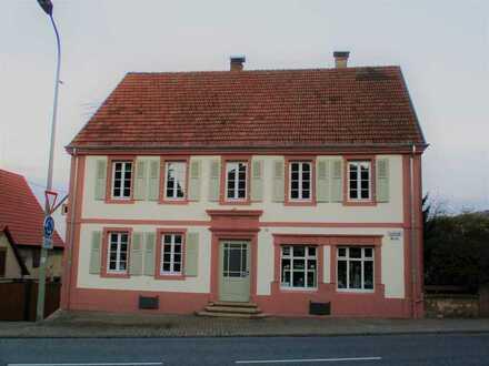 Wohn-/ & Geschäftshaus mit 10 - Zimmern in Rieschweiler-Mühlbach