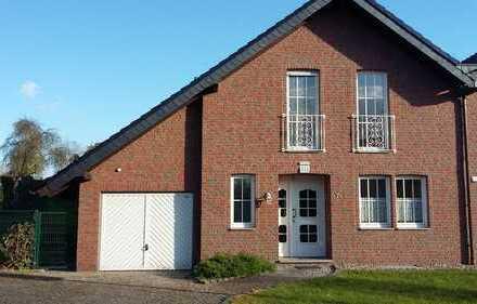 Sehr schönes, geräumiges Haus in idyllischer Lage von Geilenkirchen.