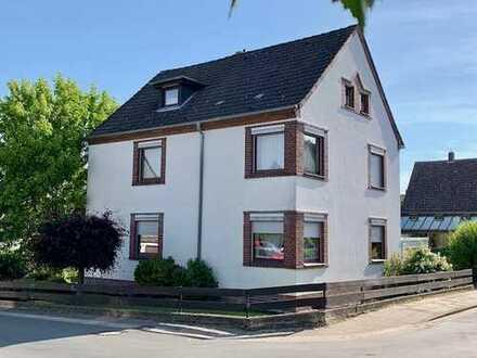 Schickes Dreifamilienhaus mit herrlichem Grundstück in sehr guter Wohnlage von Hannover-Ahlem
