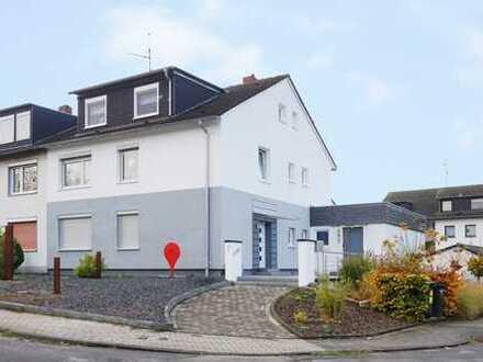 Moderne Dachgeschosswohnung in bevorzugter Lage von Lgdr.!