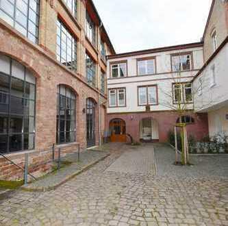 Modernes Loft-Living mit Wintergarten und Blick ins Grüne