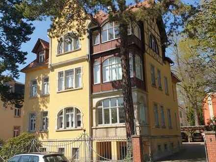 Villa Clara - Maisonette - 5 Zi - 2 Bäder - Balkon - Wintergarten - Dachterrasse sowie Carport
