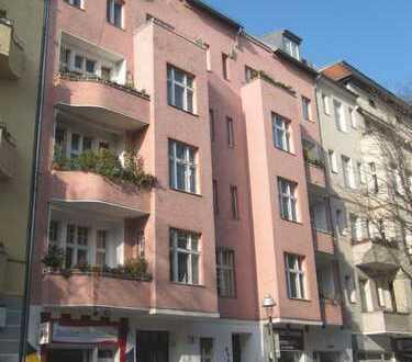 DG-Wohnung nahe Kurfürstendamm mit Terrasse und Kamin