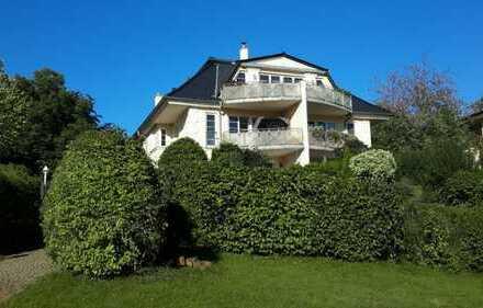 Exclusive 4-Zimmer Luxus-Wohnung, ca. 146qm, Balkon, TG, 1. Seelage, unverb. Blick , Provisionsfrei